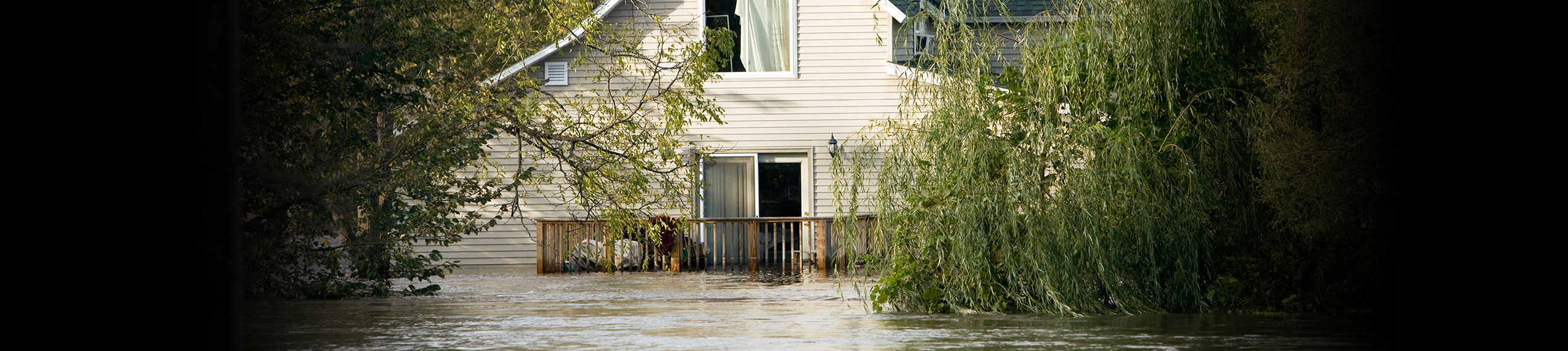 Water & Flood Damage Removal Services in Paul Davis Restoration of Suburban VA